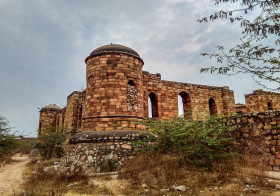 Sultan-e-Garhi: Connecting the Dots