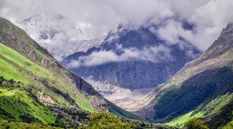 Valley Of Flowers & Hemkund Sahib: Travel Guide Under INR 3000